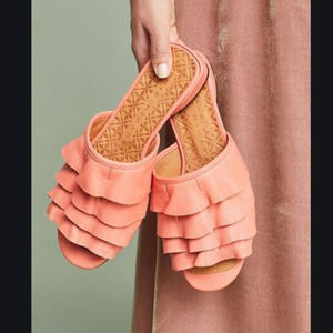 NWOT Anthro Chie Mihara Volante Ruffled Sandals